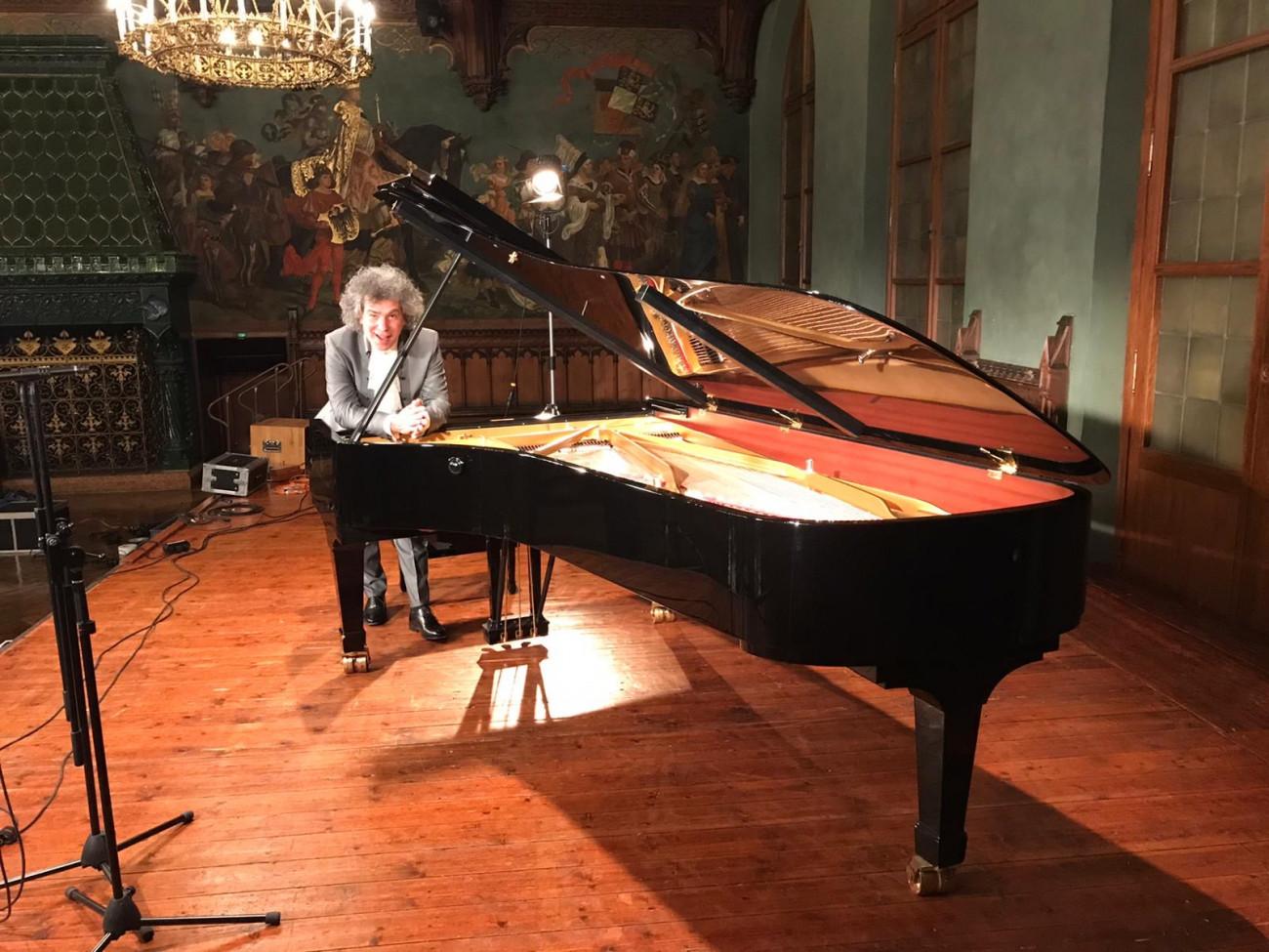 """Pianist Christoph Berner, Video-Aufnahme von Beethovens """"Hammerklaviersonate"""" mit Erklärvideo Ulrich Neumann-Cosel"""