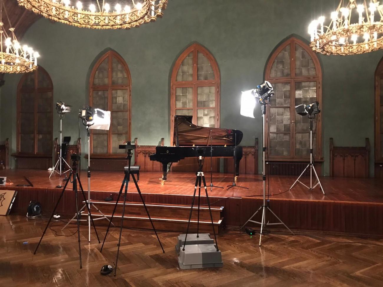 """Pianist Christoph Berner, Video-Aufnahme von Beethovens """"Hammerklaviersonate"""" mit Erklärvideo"""